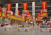 Auchan di Ponticelli: tutto il cibo destinato alla spazzatura