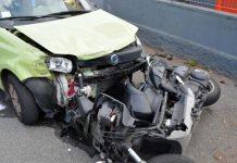 Torre Annunziata, incidente stradale: violento impatto scooter auto