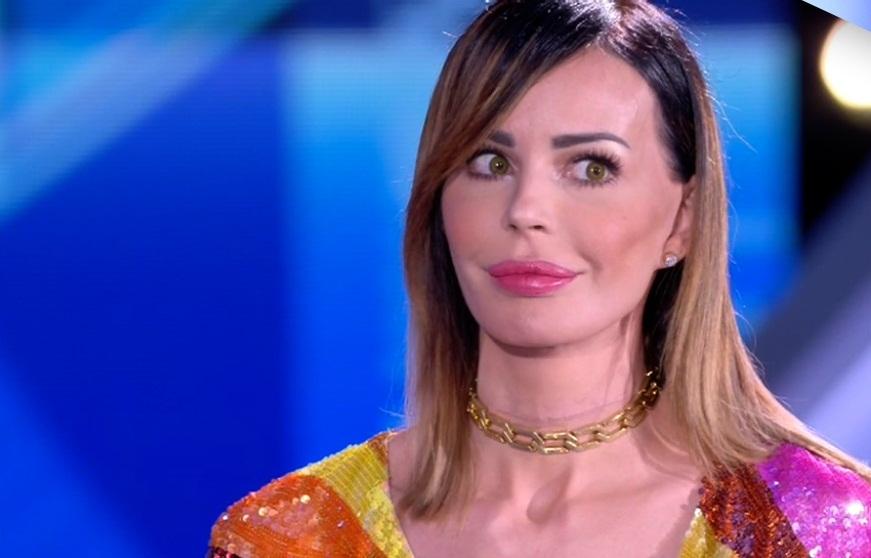 Nina Moric al Grande Fratello: un cambiamento radicale di look