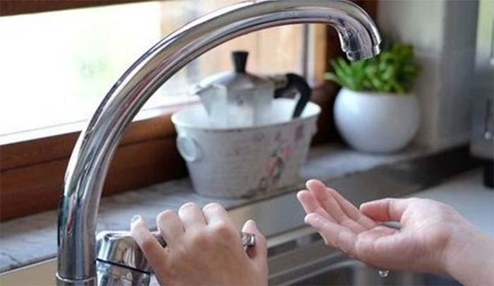 Napoli, manca l'acqua in centro: interventi alla rete idrica