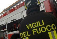 Arenella, grave incendio: evacuato intero edificio