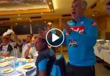 """Il karaoke del Napoli a Dimaro: Ancelotti in """"'O surdato 'nnamurato"""