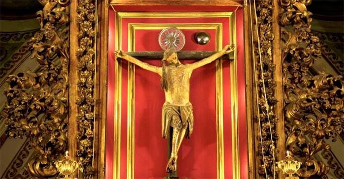 16 luglio, la Madonna del Carmine: dal Crocifisso Miracoloso a Masaniello