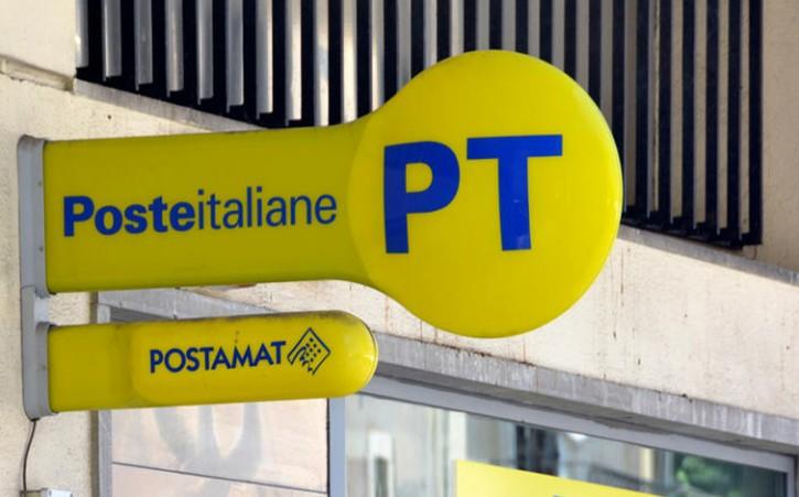 Ufficio Postale, crolla il tetto: ferito un dipendente
