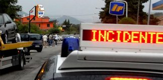 Circumvallazione esterna: auto in retromarcia provoca incidente