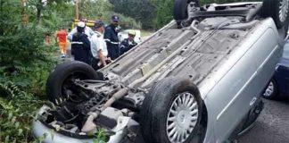 Incidente stradale sull'A1, un ferito: auto si ribalta su se stessa