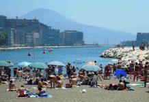 Meteo Napoli, tempo pazzo: allarme afa in tutto il mondo