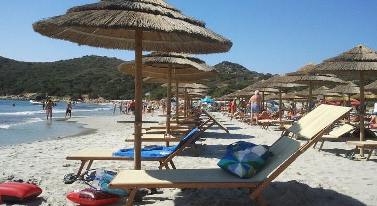 Estate 2018 da record: spiagge partenopee battono le romagnole
