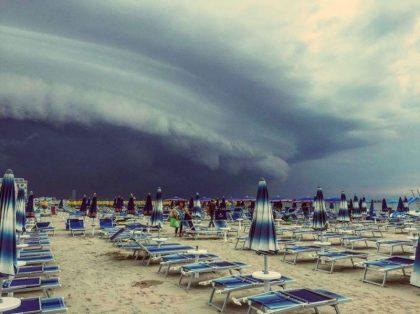Allerta meteo Napoli: piogge e temporali tra qualche ora