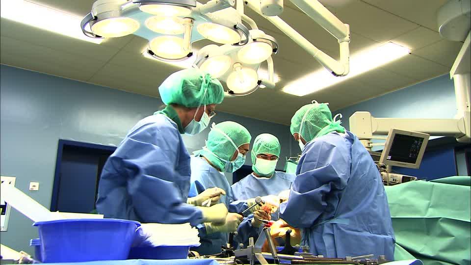 Ospedale del Mare, intervento record: tumore asportato con laser