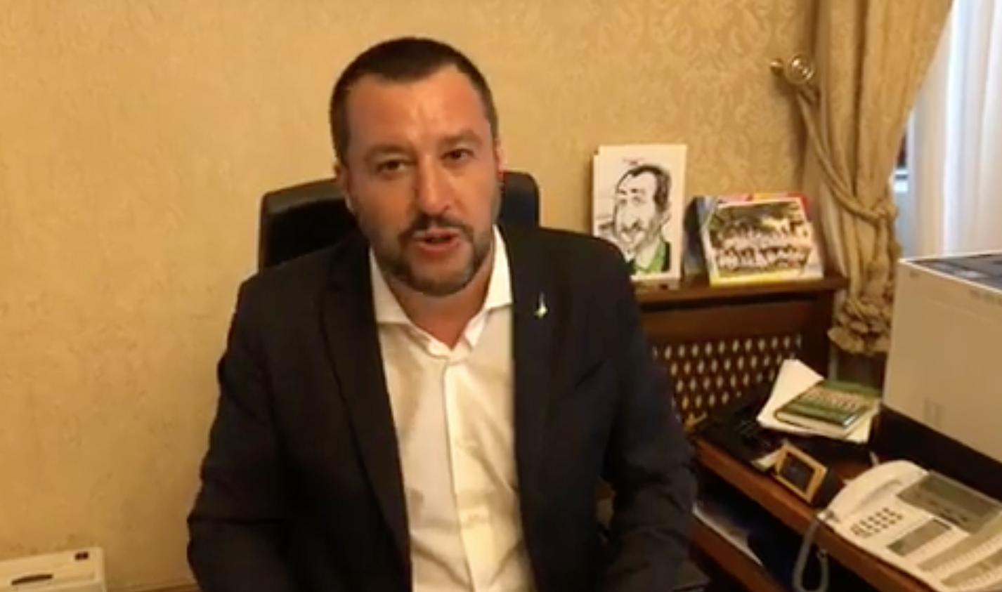"""Matteo Salvini indagato: """"Rischio 15 anni di carcere"""""""