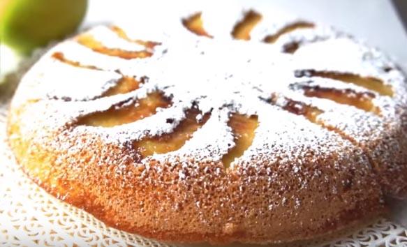 Ricetta della torta di mele in padella: facile, veloce e saporita