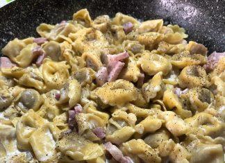 Ricetta dei tortellini panna e prosciutto cotto