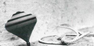 'O Strummolo: le origini di un gioco napoletano d'altri tempi