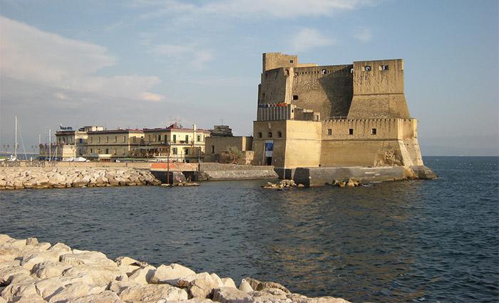 Castel dell'Ovo: dall'uovo di Virgilio a quello di Partenope