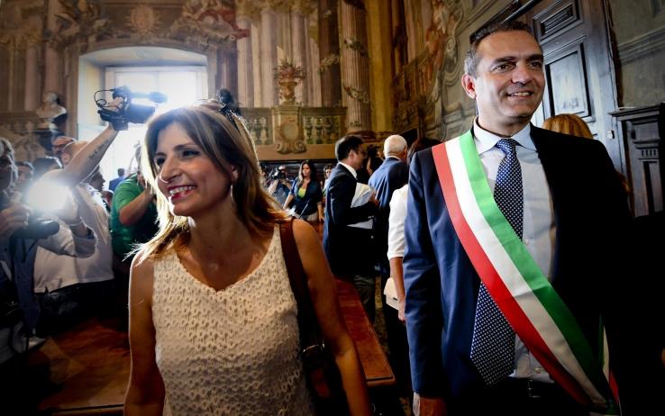 Luigi De Magistris, polemica sulla moglie: insegnerà a Napoli