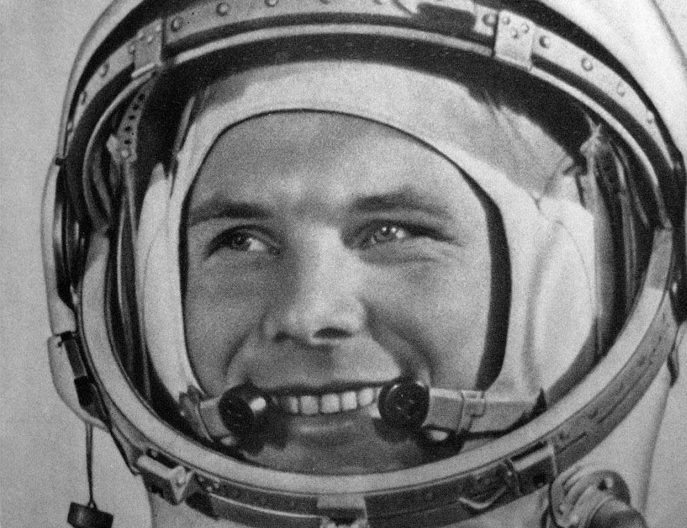 """Jurij Gagarin il primo uomo che ha inaugurato lo Spazio cantando """"'O Sole Mio"""""""