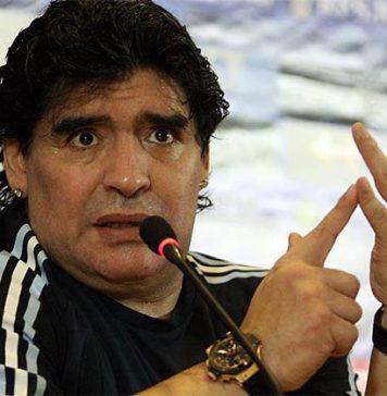 Maradona e la cittadinanza onoraria trasformata in uno show