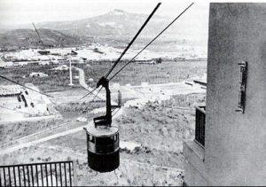 Posillipo 1940: la funivia nel bel mezzo della città