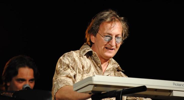 Joe Amoruso, paura per il pianista di Pino Daniele: lotta per la vita
