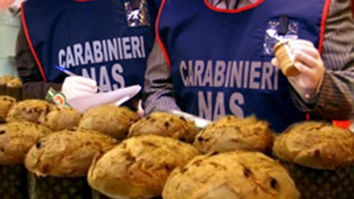 Ottaviano: sequestrati quintali di dolci non confezionati a norma