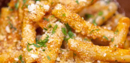 Ricetta mezzanelli lardiati o allardiati: il gusto della cucina povera partenopea