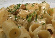 Ricette primi piatti napoletani: mezzemaniche d''a campagnola