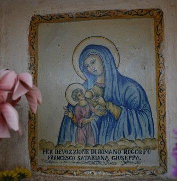 """Modi di dire napoletani: """"A Madonna t'accumpagna"""" è un affettuoso saluto"""
