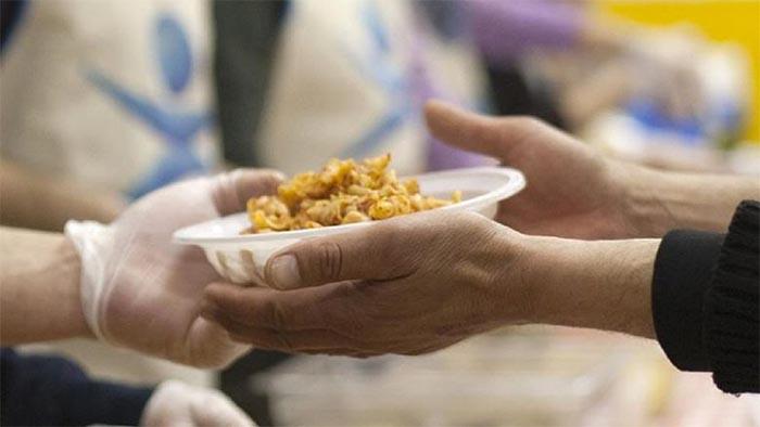 Pasqua solidale a Napoli: pranzo per i meno fortunati