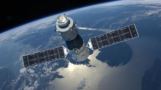 """Stazione spaziale cinese fuori controllo: """"Frammenti potrebbero schiantarsi sull'Italia"""""""