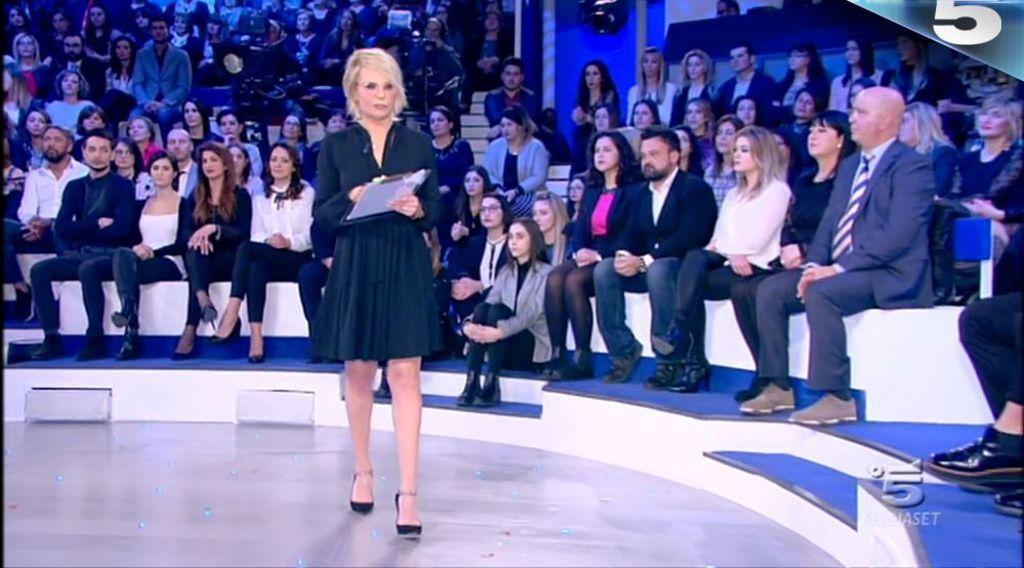 """Ascolti tv 31 marzo: """"C'è Posta per te"""" chiude in bellezza vincendo"""