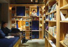 B&B sta a Napoli come il primo Book and Bed in Europa