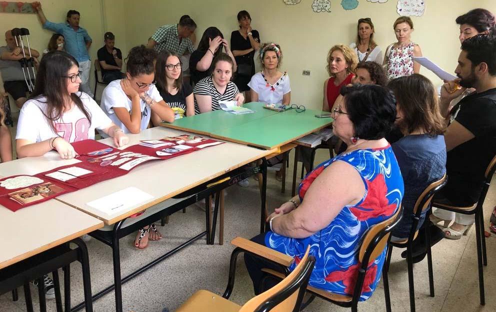 Latina, Martina muore prima della maturità: le amiche sostengono l'esame per lei