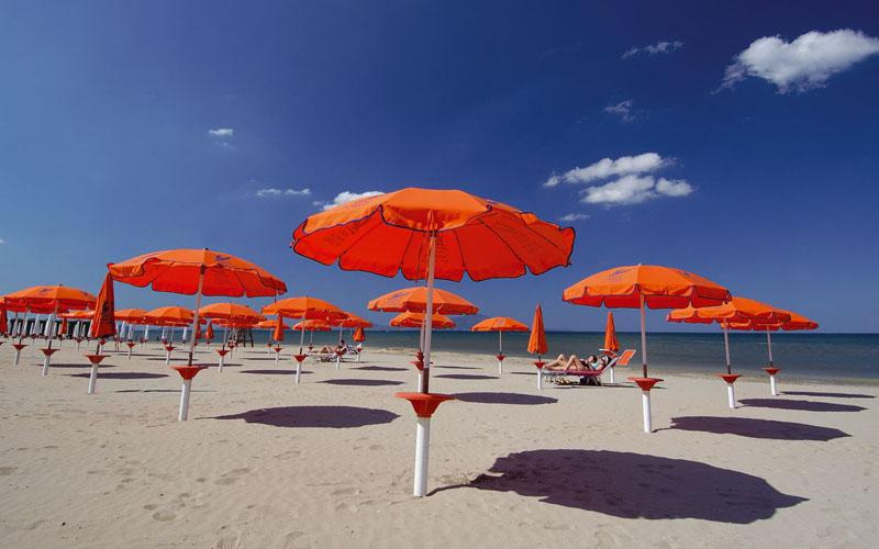 Varcaturo, apre primo lido a ore trascorse in spiaggia