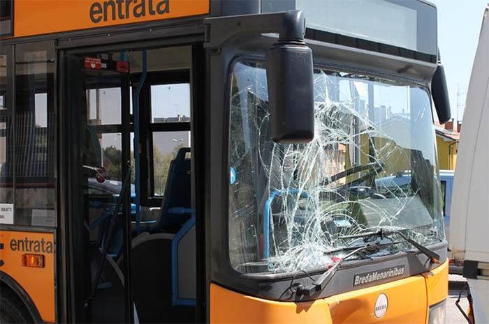 Fuorigrotta, violenta aggressione ai danni del conducente ANM
