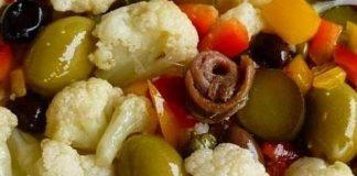 Ricetta dell'insalata di rinforzo natalizia: perché si chiama così?