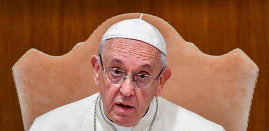 """Papa Francesco: """"Meglio vivere come ateo che andare in chiesa e odiare"""""""