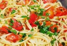 """Ricetta degli spaghetti alle vongole """"Fujute"""" di Eduardo De Filippo"""
