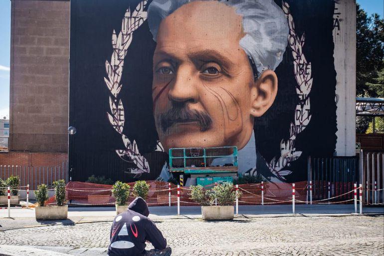 Un murales di Jorit anche all'esterno dell'Ospedale Cardarelli