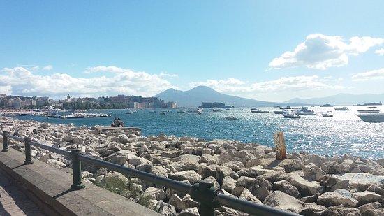 Meteo Napoli, il caldo insopportabile arriva tutto insieme