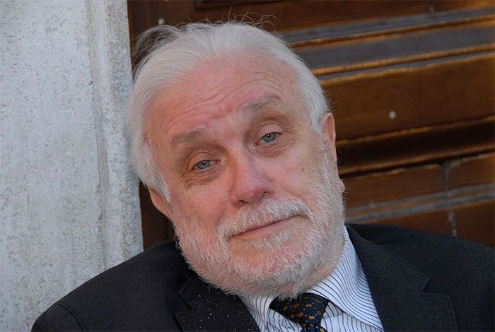 Luciano De Crescenzo è morto: addio a un pezzo di Napoli