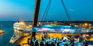 Dinner in the sky, il ristorante tra le nuvole arriva a Napoli