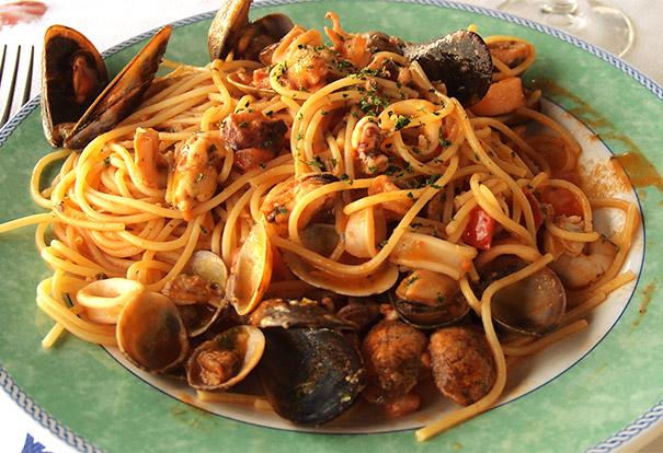 Pasta cozze e vongole: il meglio del Sud a tavola