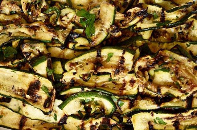 Zucchine grigliate: antipasto e contorno versatile