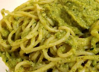 Ricetta pasta al pesto di zucchine: semplice e sfizioso