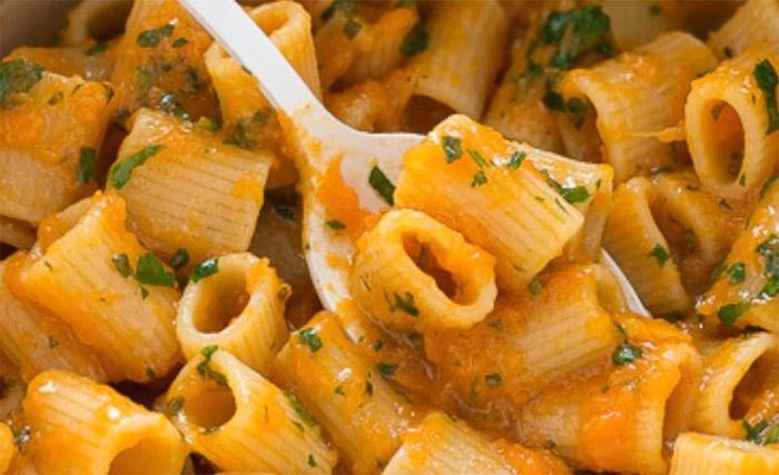 Ricetta pasta e zucca alla napoletana: cremosa e speziata!