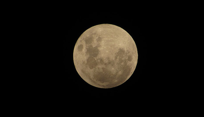 Eclissi di luna di penombra visibile dall'Italia