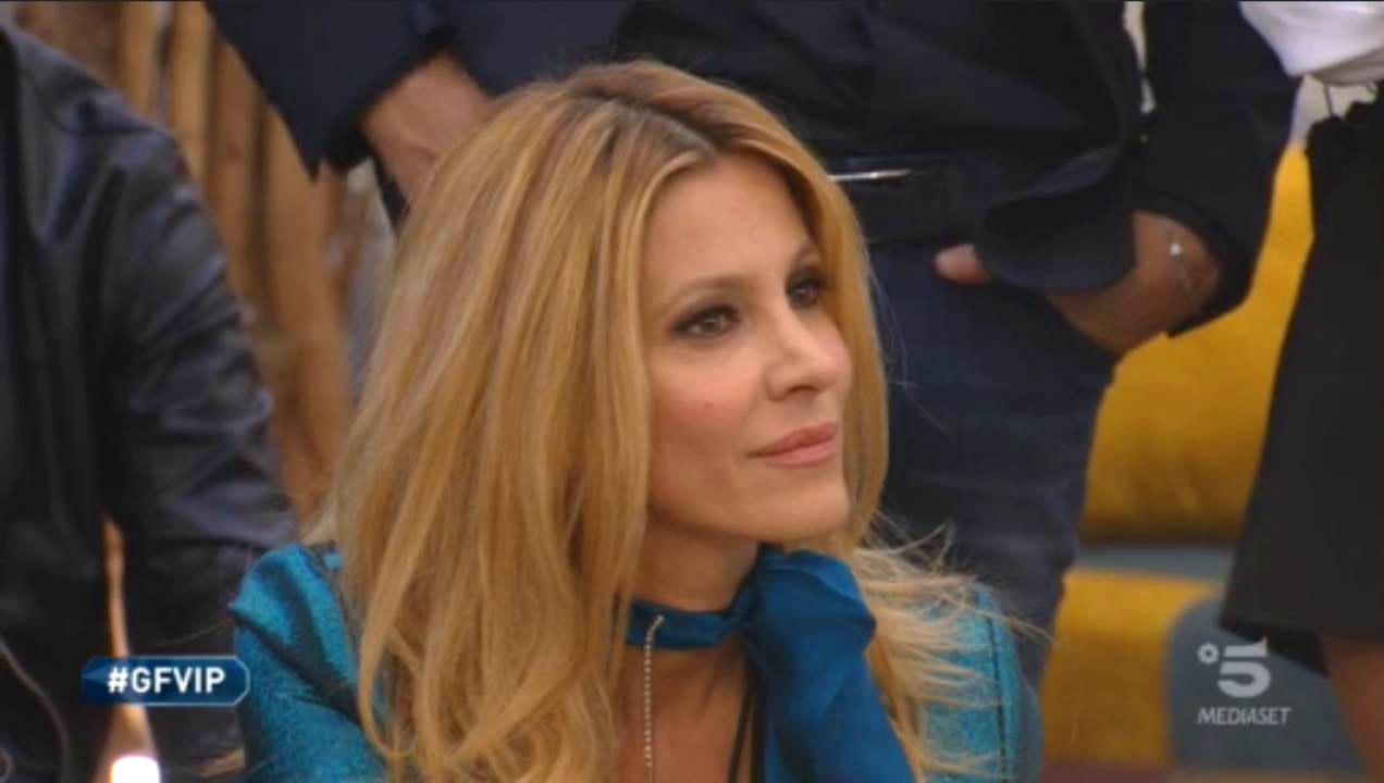 """Grande Fratello Vip 2020: Adriana Volpe """"sfregiata"""" da Magalli"""