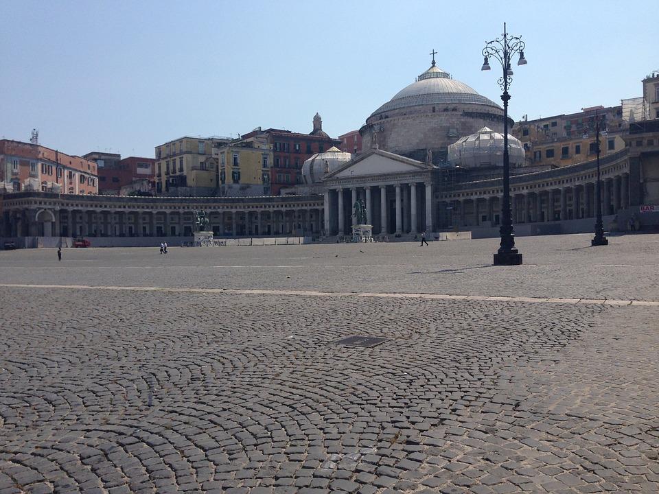 Meteo Napoli: l'anticiclone vieta l'accesso all'inverno