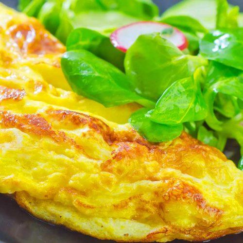 Ricetta omelette francese: raffinata e versatile!